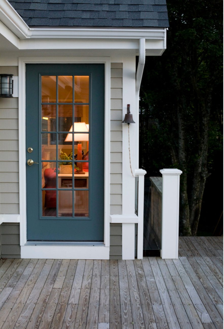 Exterior Door Painted with Benjamin Moore Knoxville Gray