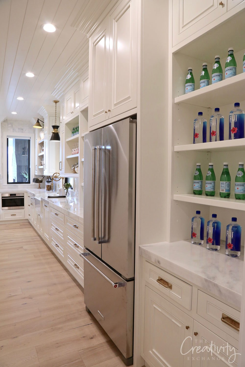 Long galley style butlers pantry