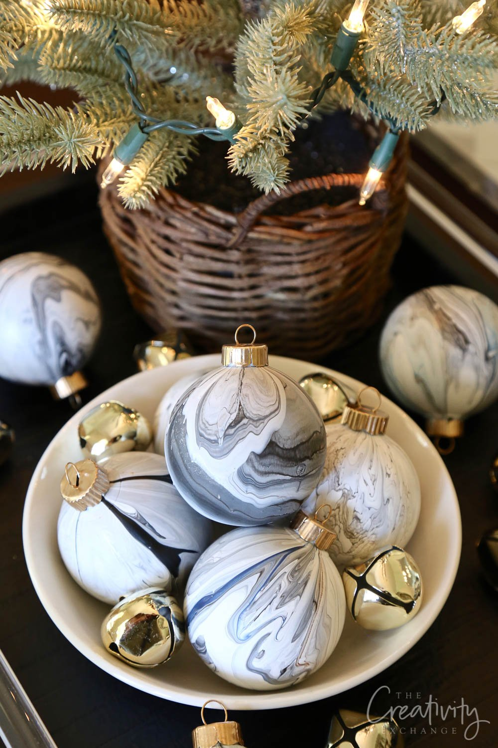 DIY Marble Paint Pour on Christmas Balls