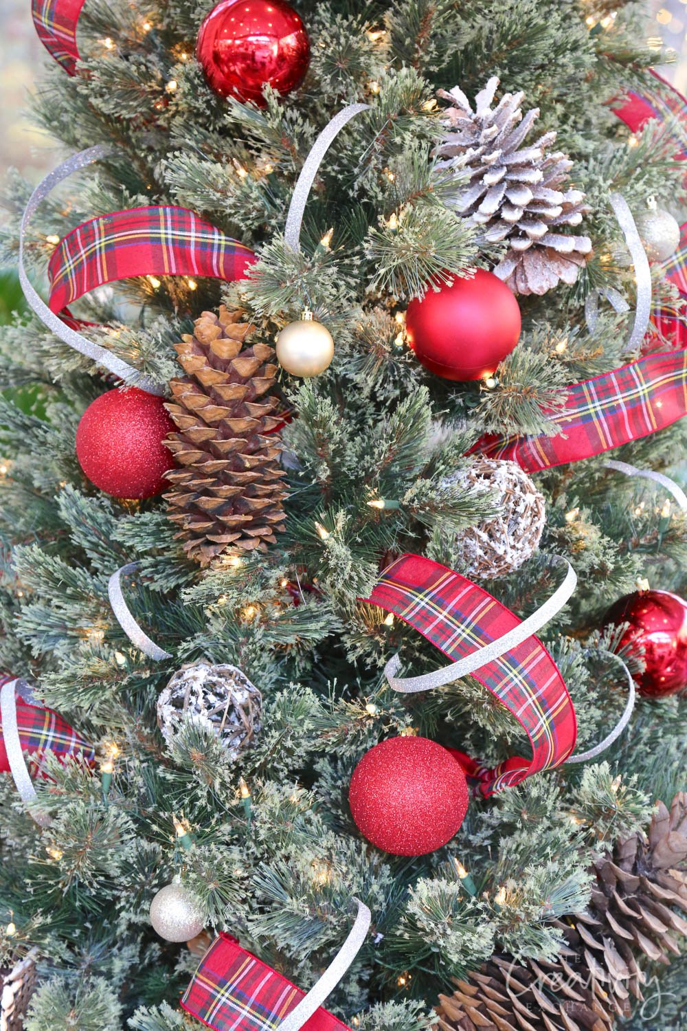 Outdoor Christmas Tree with Pinecones