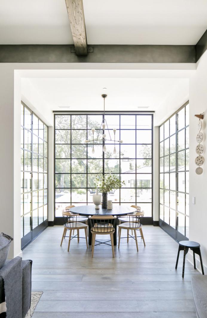 Breakfast nook with steel windows