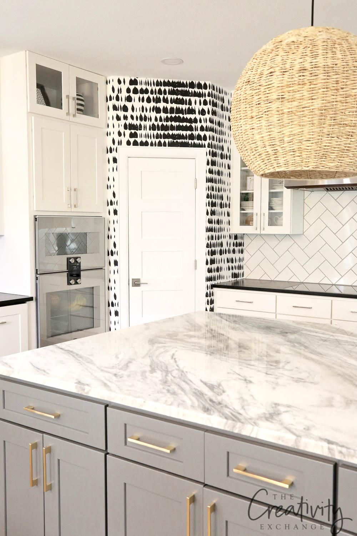 Kitchen with Quartzite Island Countertop